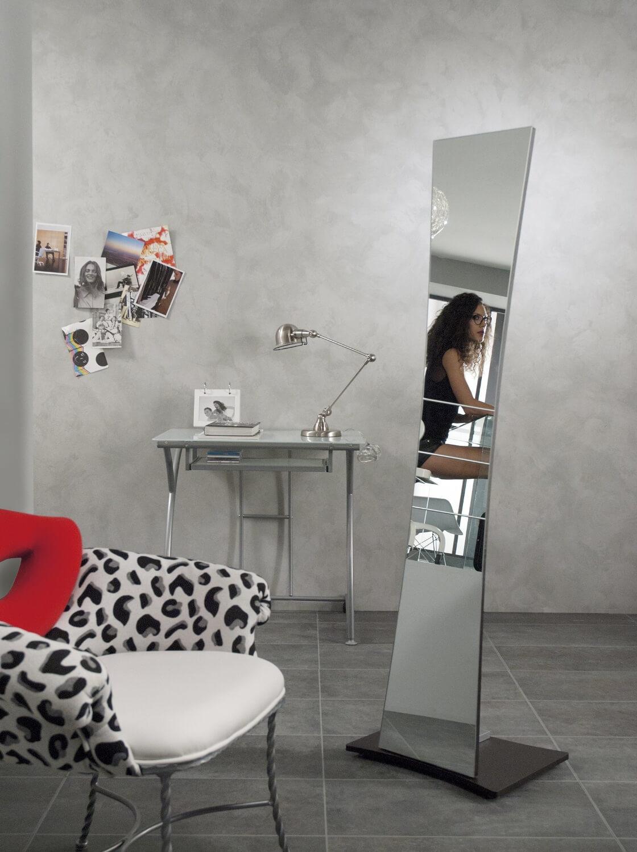 Specchi lunghi per la parete comodit e arredamento - Supporti per specchi a parete ...
