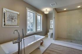 Quadro in bagno moderno