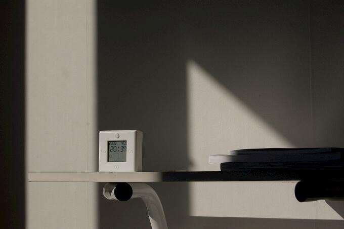 Orologi da tavolo rendi unica la tua casa con oggetti di for Orologi da tavolo moderni