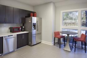 Sgabelli e tavoli alti per un design unico homehome