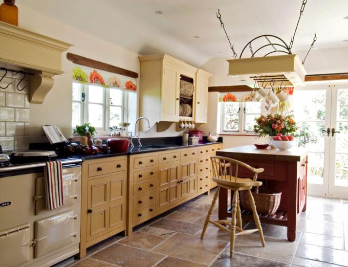 Sgabelli in legno versatili e di design homehome