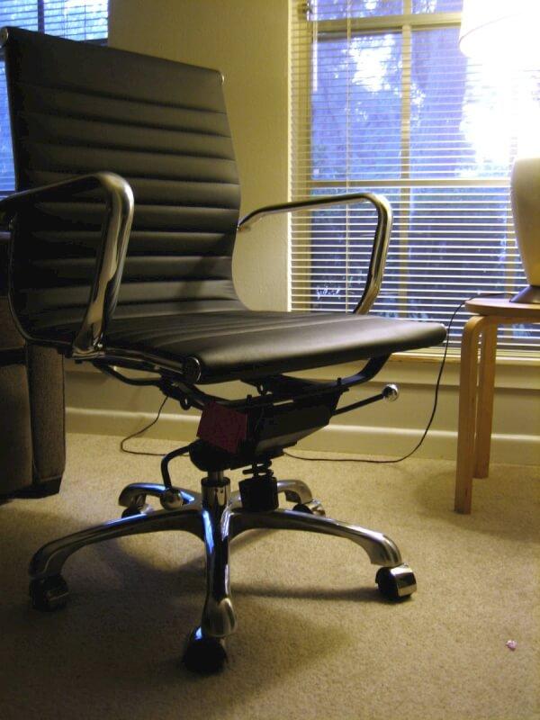 Sgabelli ergonomici per ufficio e casa homehome for Sgabelli per ufficio